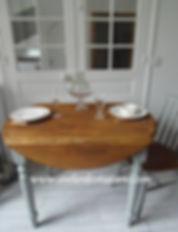 Table_ronde_patinée_vert_de_gris_Atelier