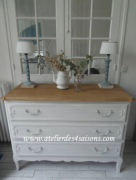 Commode style Louis XV patinée gris perl