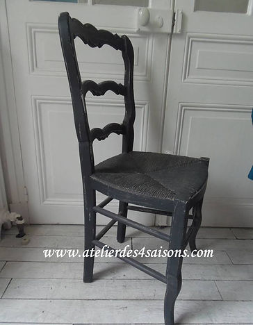 Chaise_campagne_patinée_gris_ardoise_At