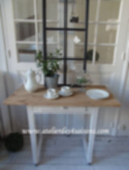Table,_bureau_vintage_patinée_gris_perle