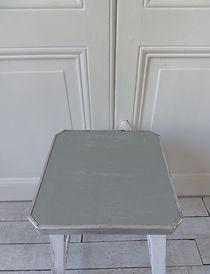 Tabouret_vintage_patiné_vert_de_gris_At