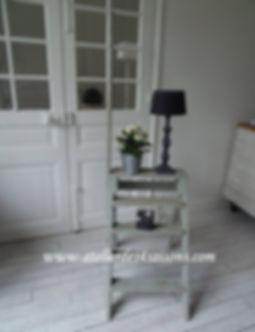 Escabeau_vintage__patiné_vert_de_gris_At