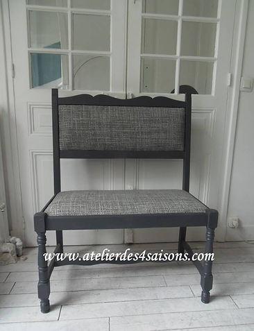Banquette vintage gris ardoise, tapissée