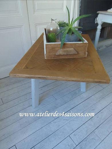 Table basse tripode patinée gris perle A