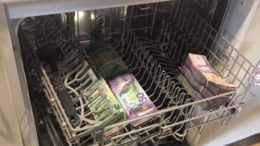 Cash found in dishwasher