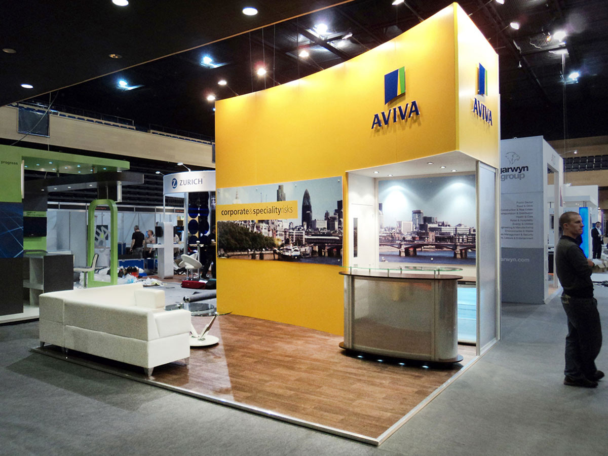 Custom Exhibition Stand with Curved Wall Aviva Airmic
