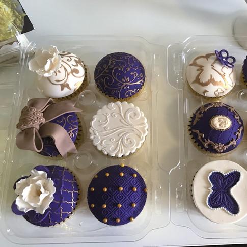 Regal cupcakes