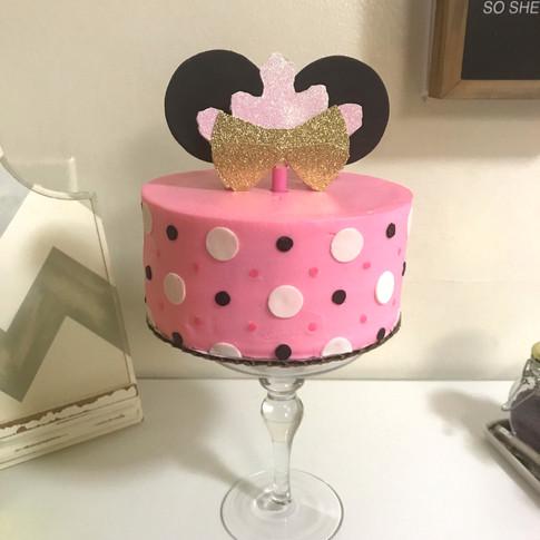 Minnie Mouse smashcake