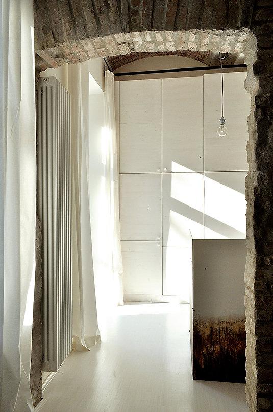 kuchnia--przez-ścianę-szafa-03.jpg