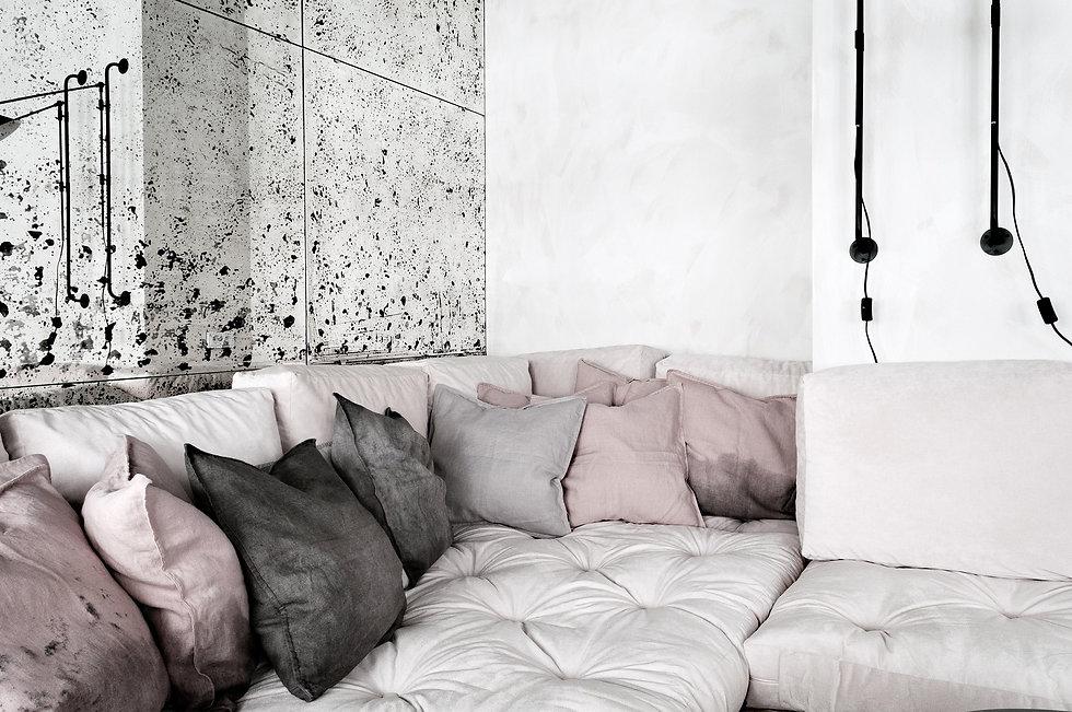 Kolberga_salon_sofa A01.JPG