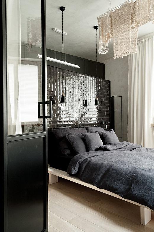 Kolberga_sypialnia_łóżko od drzwi18.JPG