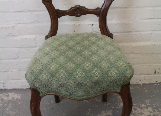 Single Victorian Balloon Back Salon Chair