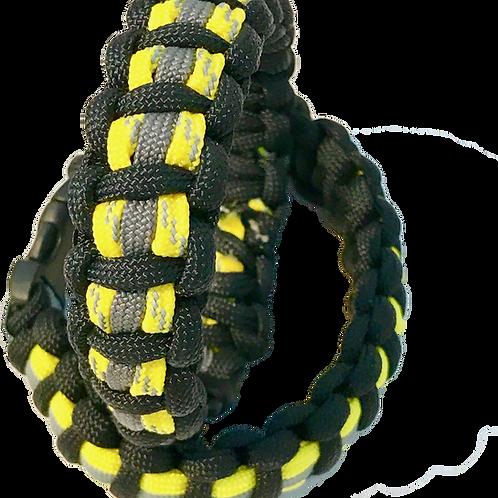 Bracelet paracord réfléchissant, look tenue de pompier