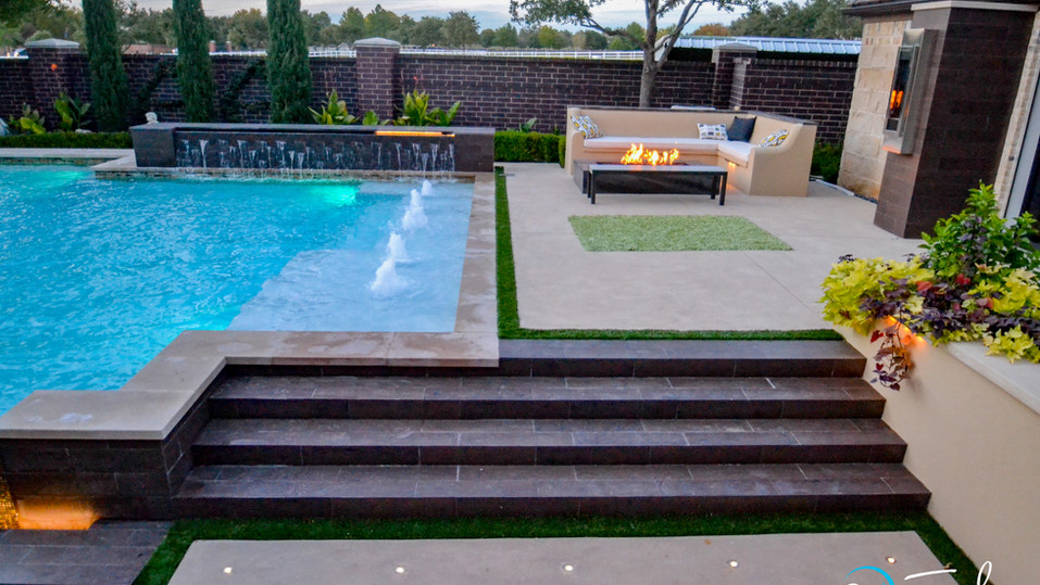 Modern See Thru Pool
