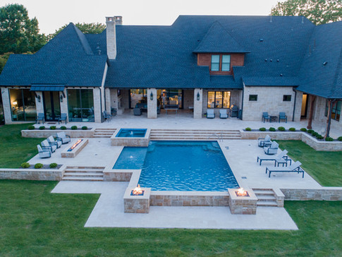 Southlake Hillside Pool with Fire