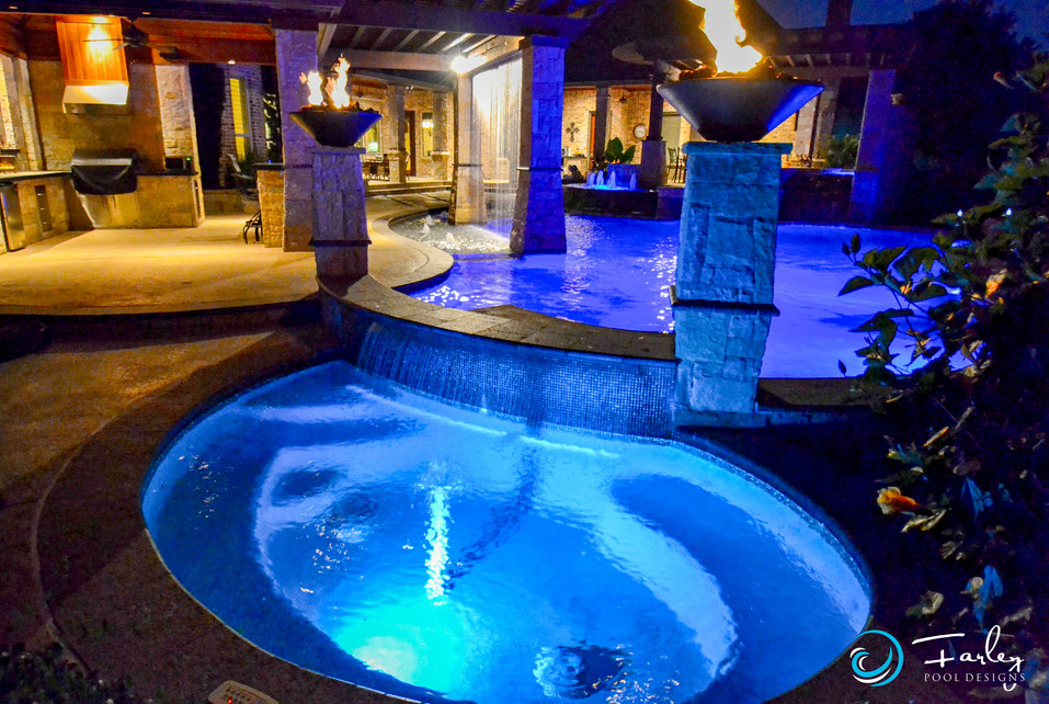 Privacy Spa with Firebowls &. rainfalls