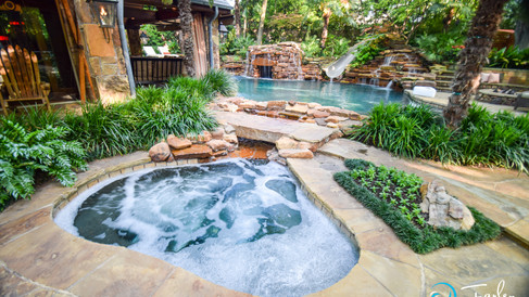 Detached Spa with Walk Way