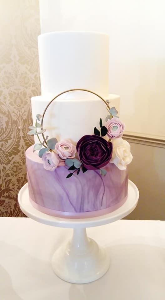marble-wedding-cake-lilac-white