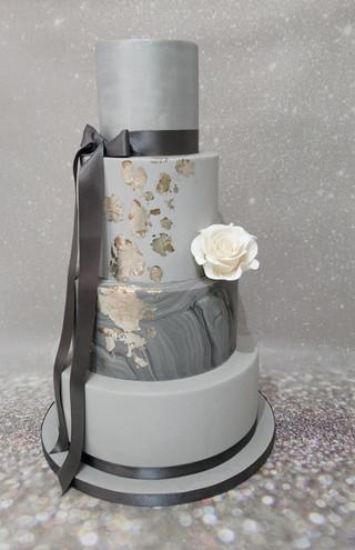 marble-wedding-cake-silver