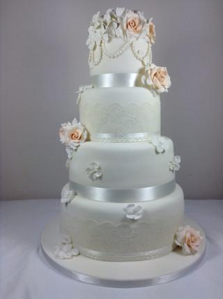 traditional-white-icing-wedding-cake.jpg