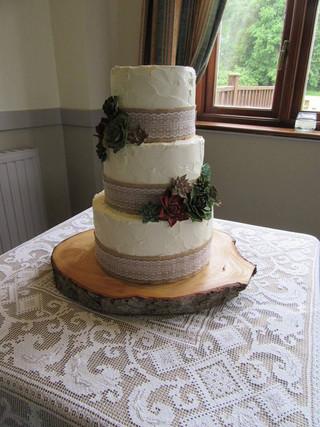buttercream-wedding-cake
