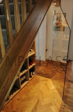 glass wine enclosure