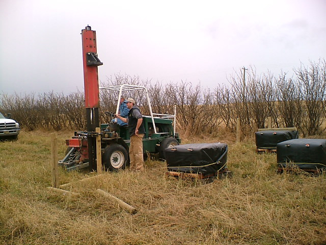 building fencing around hives