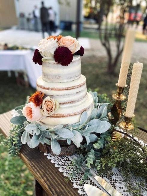 Cake%20pic%20(2)_edited.jpg