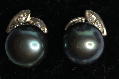 8-9 MM Freshwater cultured pearl stud with small crystals