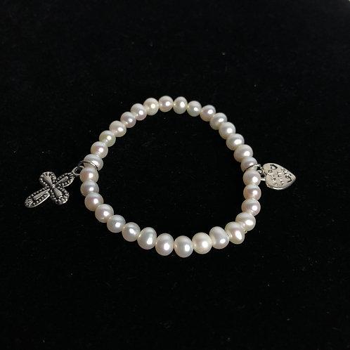White Freshwater Cultured elastic bracelet