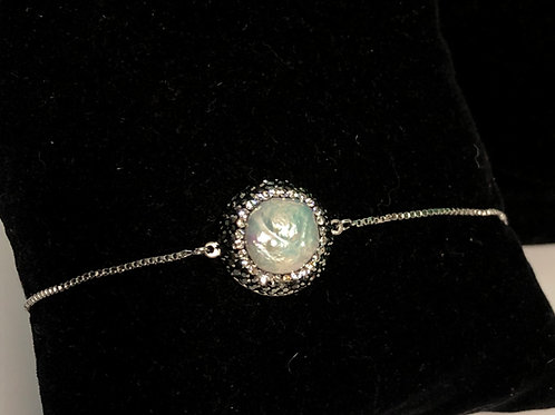 Bolero matching bracelet in white Freshwater pearls