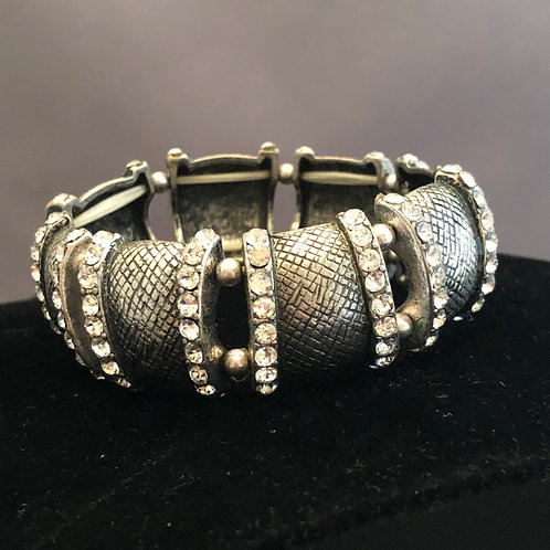 Silver elastic bracelet with clear crystals