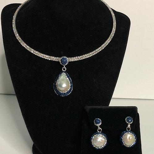 Freshwater Pearl pendant & earrings with NAVY BLUE Swarovski