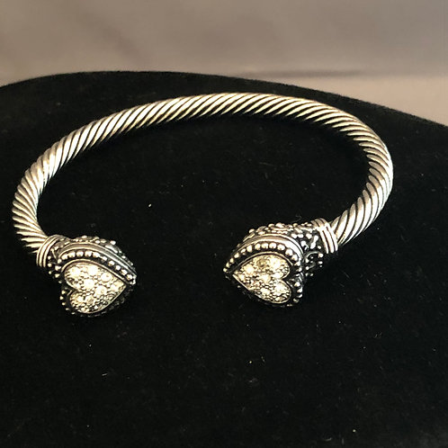 Silver Designer look bracelet with hearts on either end