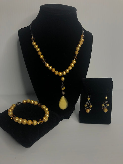 3 pc set gold Freshwater Cultured pearl necklace, bracelet and earring set