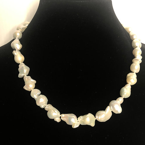 White baroque FWP necklace set in sterling silver 925 clasp