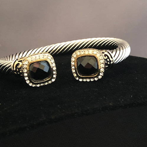 Designer look square shaped bracelet on either side in cubic zircon