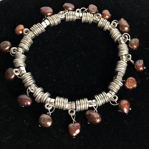 Freshwater elastic pearl bracelet with many pearl dangles