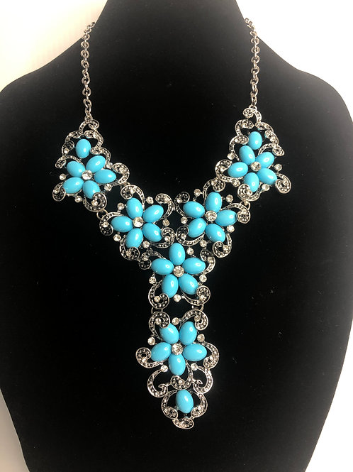 Turquoise howlite bib necklace with adjustable clasp