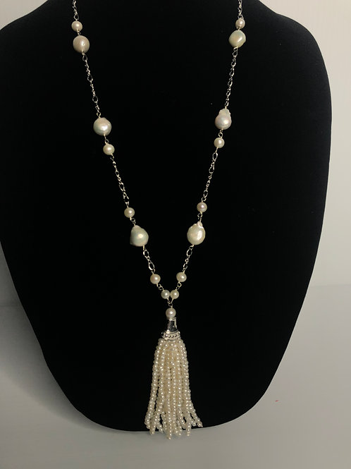 White FWP with sterling silver dropping tassel necklace