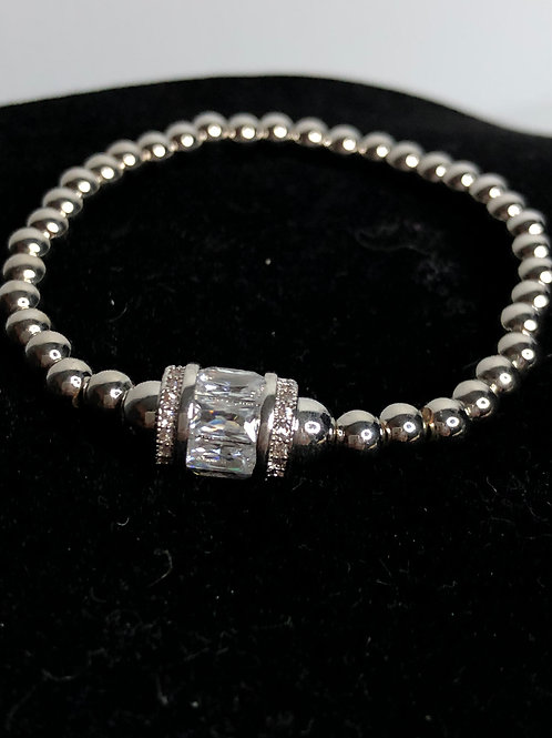Stainless steel elastic bracelet with Swarovksi crystal barrel detail
