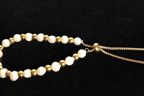 White FWP in stainless steel gold bolo bracelet