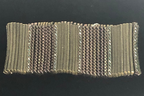 Brown elastic pin design bracelet