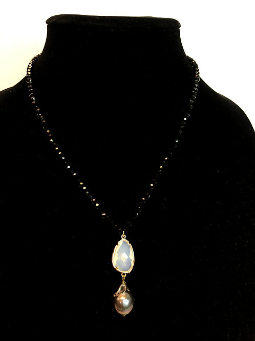 Single strand Czech crystals with large Freshwater pearl drop