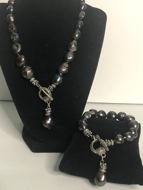 Large baroque Freshwater Cultured pearl set