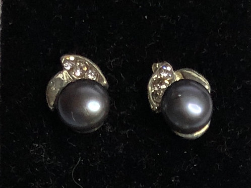 5-6 MM Freshwater cultured pearl stud with small crystals