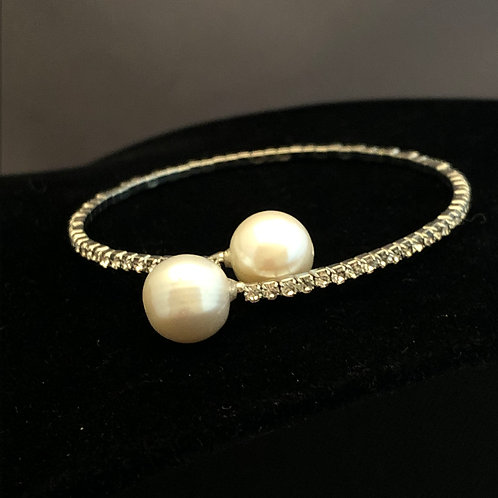 Silver clear Crystal bracelet in  white Freshwater pearls