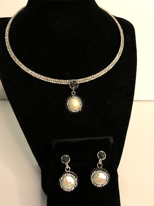 ROUND white Freshwater  pendant/earrings with Swarovski