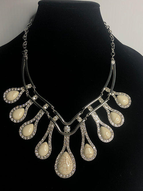 White howlite bib necklace in silver with adjustable clasp