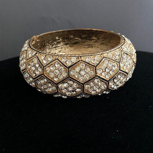 Wide hinged bracelet in checkerboard design
